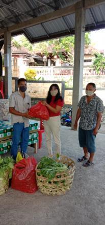 Aktivitas dapur Umum Desa Tigawasa